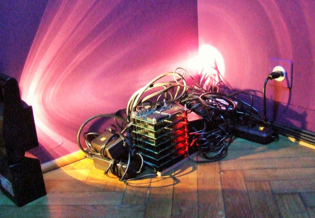 Detail von 7 Stück Media-Player für eine Arbeit von Karin Leuenberger Museum für Musik, Basel